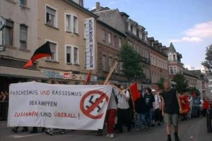 Antifaschistische Demonstration nach dem Mord an Achmed Sharlak.
