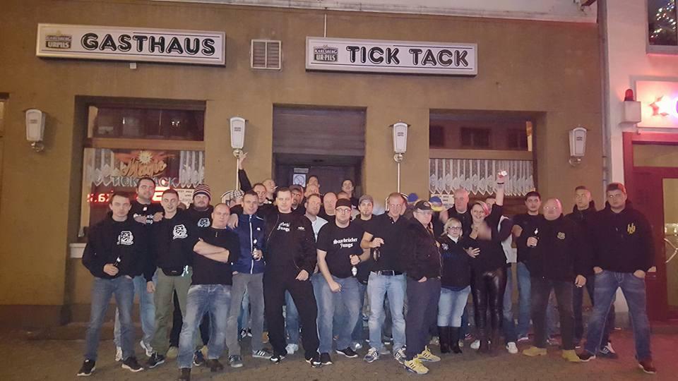 """Das Gasthaus """"Tick Tack"""" und seine Gäste: Nazihooligans u.a. mit Marvin Wedel und Michael Seiler"""